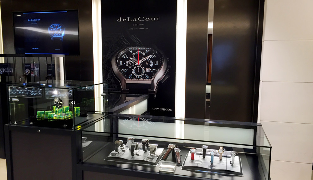 "The latest creations of the brand were proudly revealed by Noble Styling, distributor of the deLaCour watches, at the Isetan department store in Shinjuku.  This event was held from 17 to 22 February 2016 under the theme ""Creators watch in Isetan"".  An opportunity for deLaCour to focus on watch Leap XS designed especially for Japan and the City Episode chronograph"